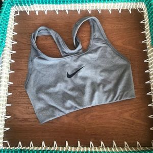 Women's XS Dri-Fit Light Gray Nike Sports Bra